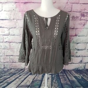 DR2 M GRAY BOHO CHIC GEOMETRIC CUTOUT BLOUSE